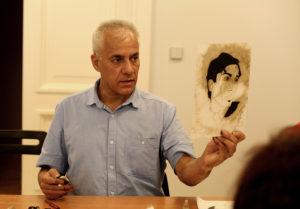 Auf den Spuren von Max Ernst! Kirill Gorodetskiy unterrichtet in der Sankt Petersburger Eremitage in der Kunst der Grattage